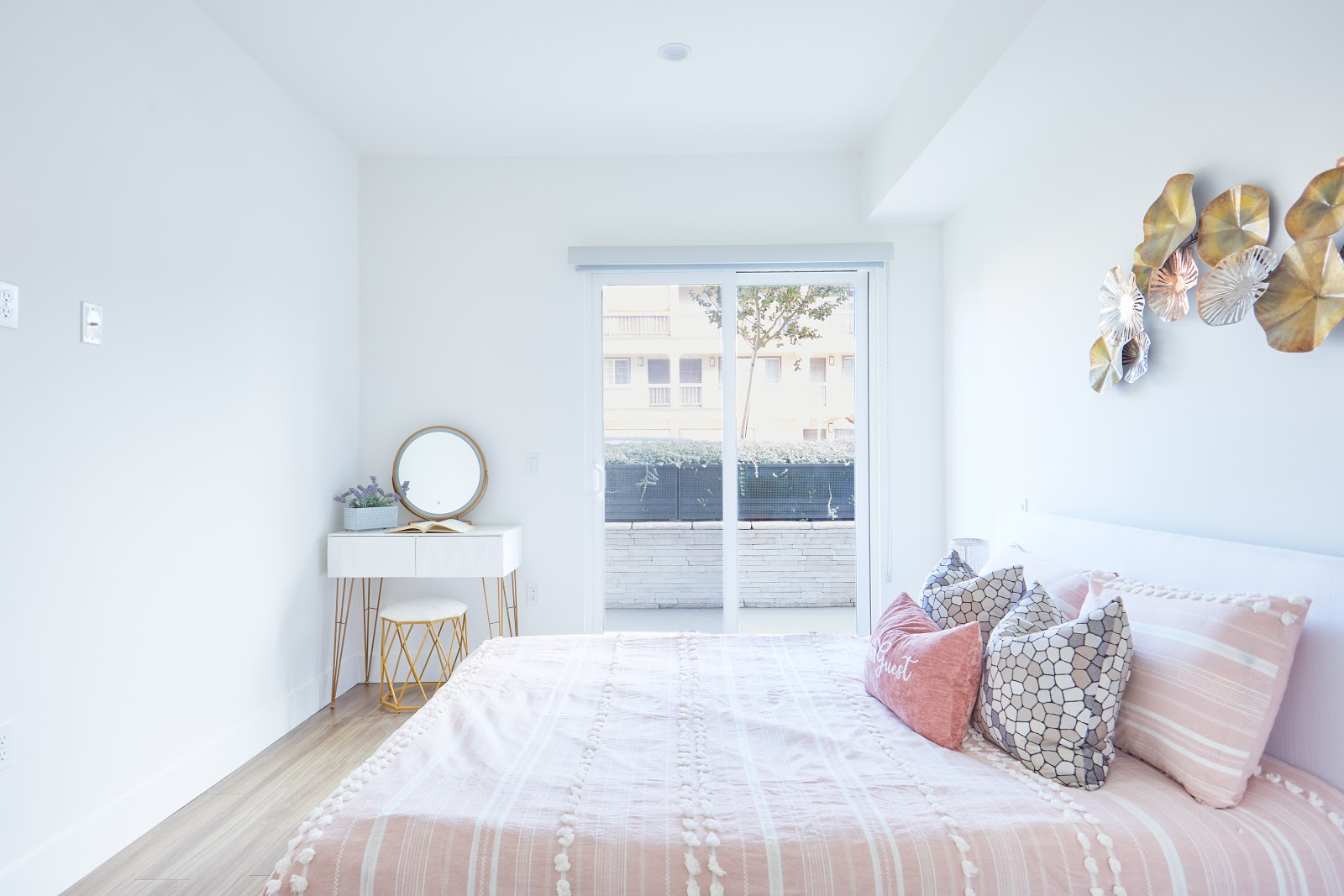 Tripalink showroom apartment layout