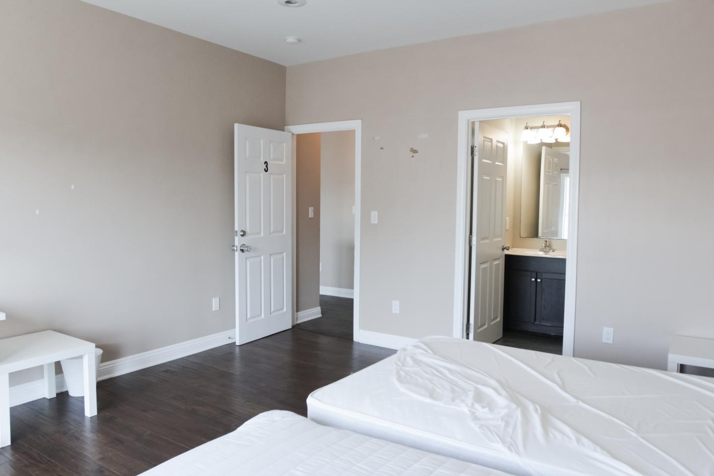 Bright apartment, Dark hardwood floors