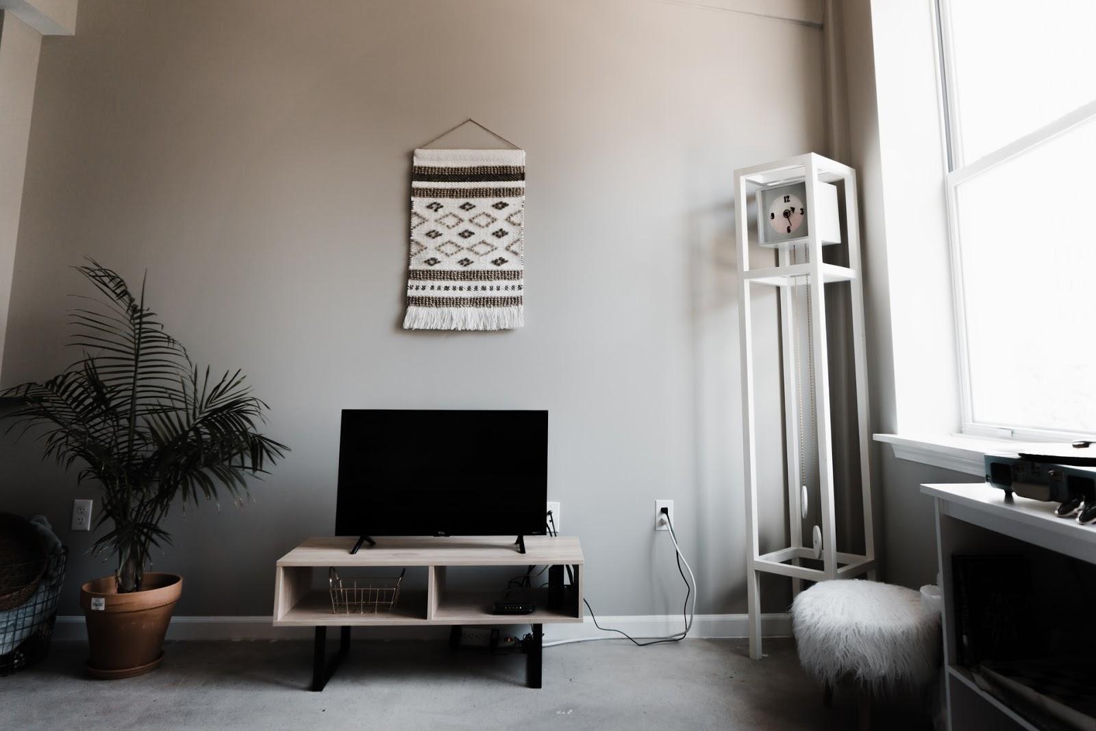 white and black apartment decor