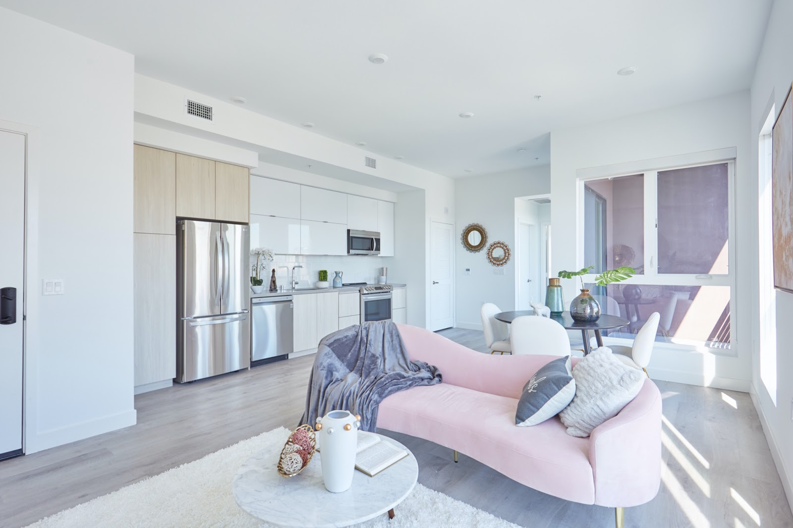 The Kenmore luxury apartment in los angeles