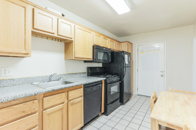 Brand new Tripalink property, Bright and clean USC student housing, Living room