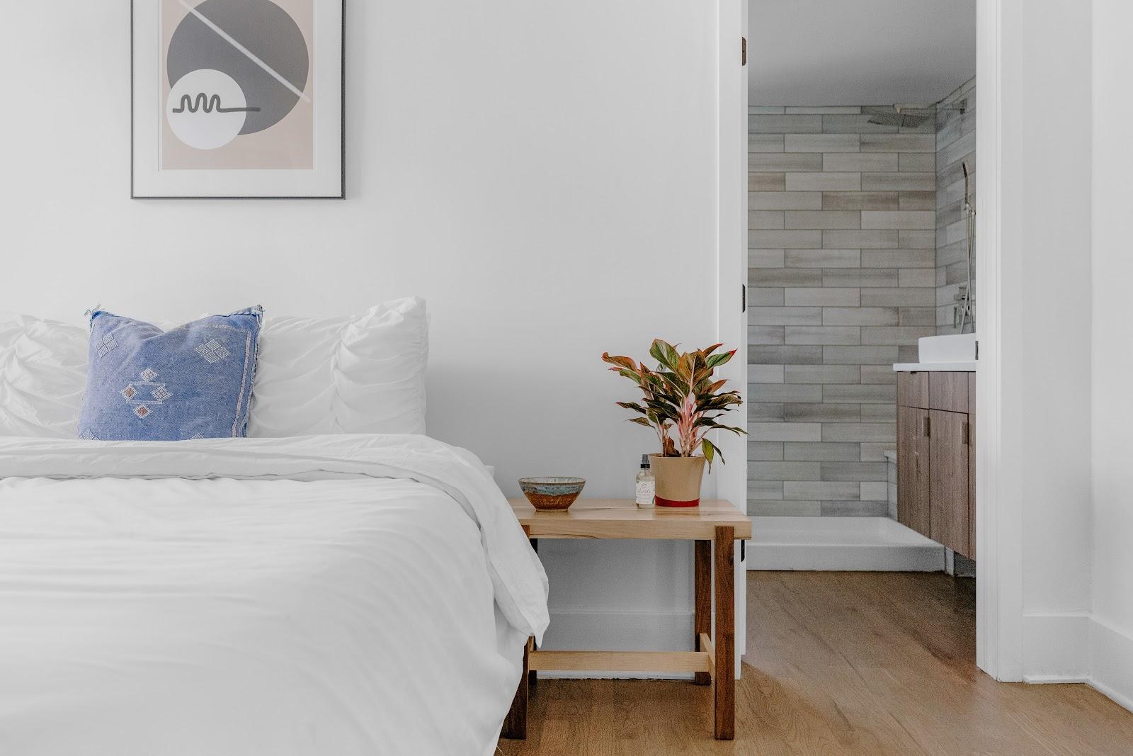 clean bedroom at Tripalink property with brown hardwood floors