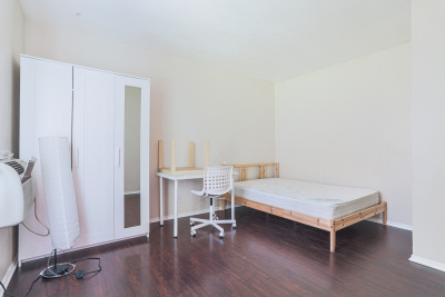 Tripalink Property, Cozy bedroom, Fully furnished USC student housing, Bright with White furniture