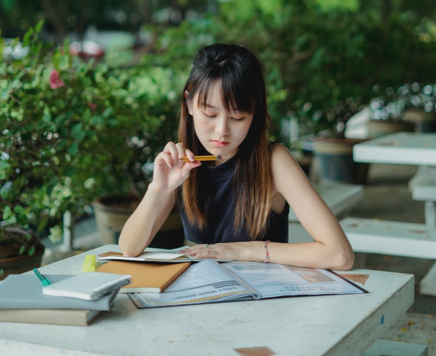 Girl studying on campus at ucla